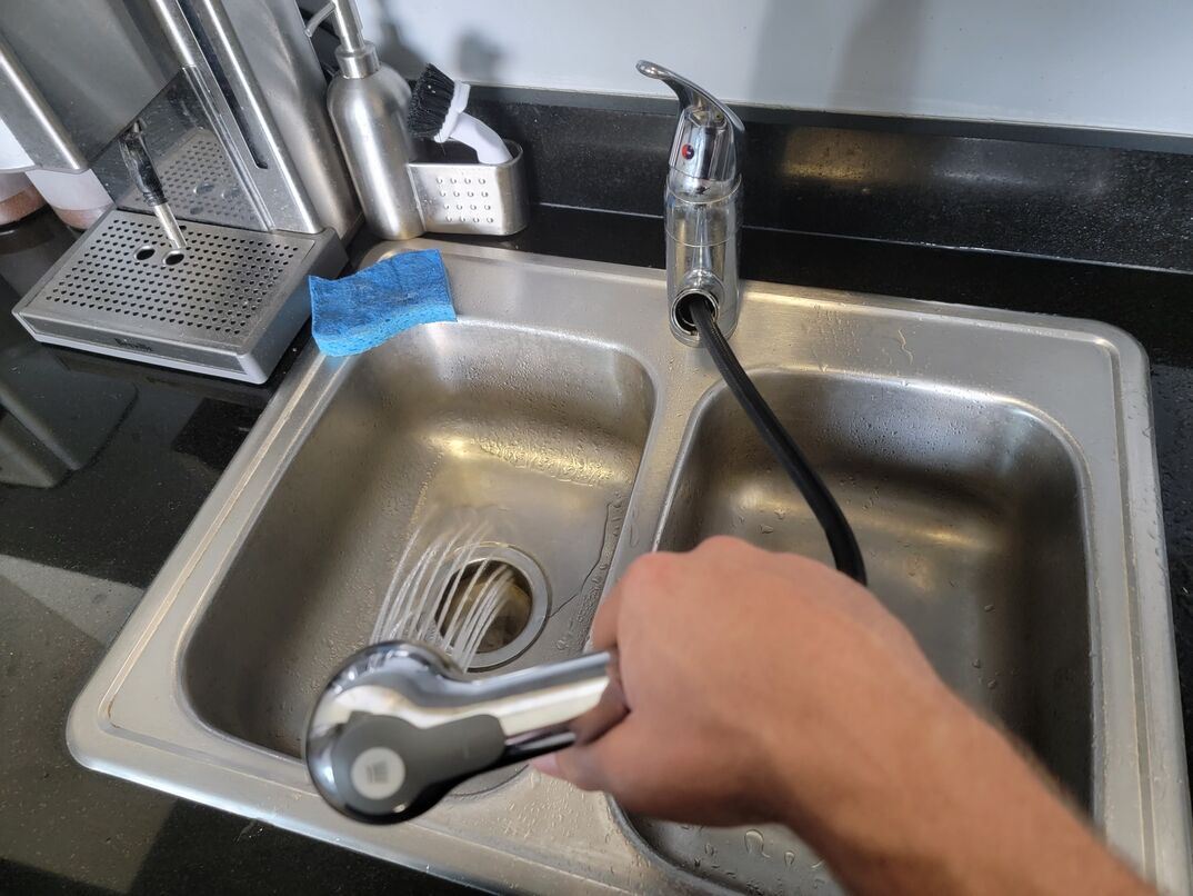 Cleaning the kitchen sink