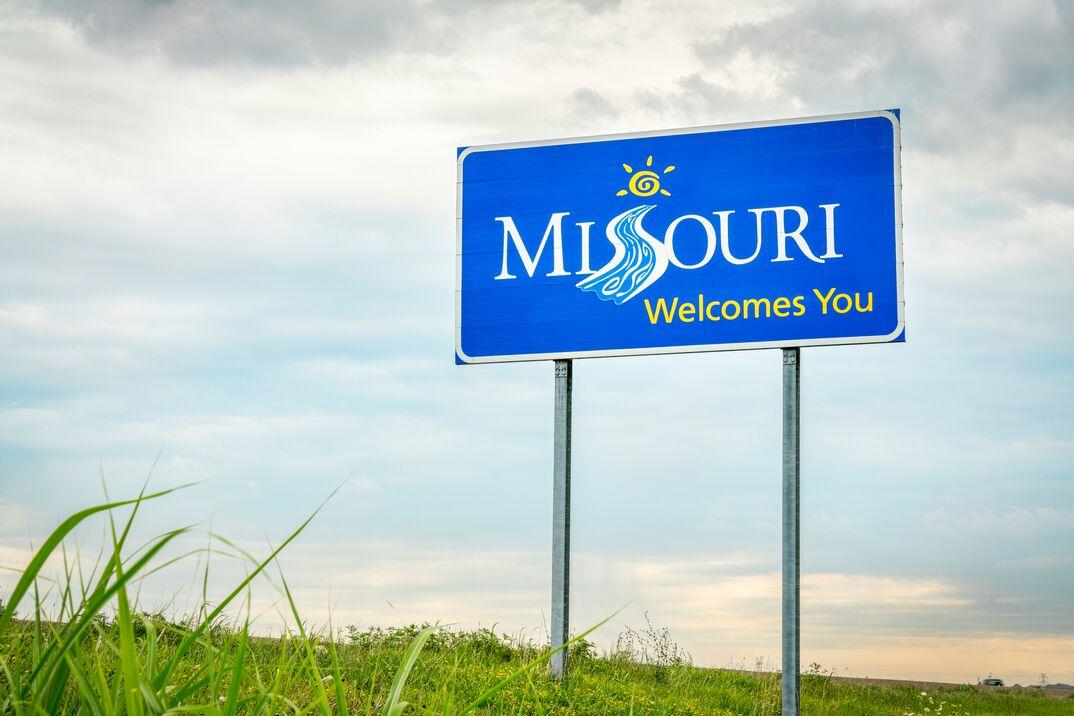Missouri Welcomes You roadside sign