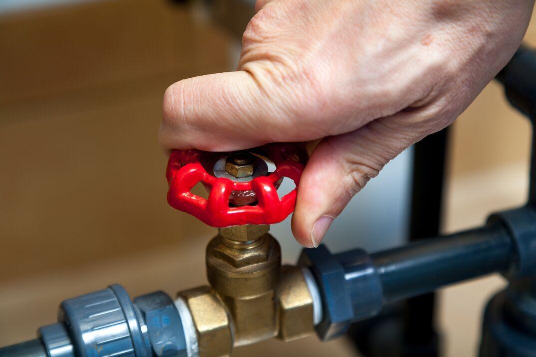 turning hot water valve
