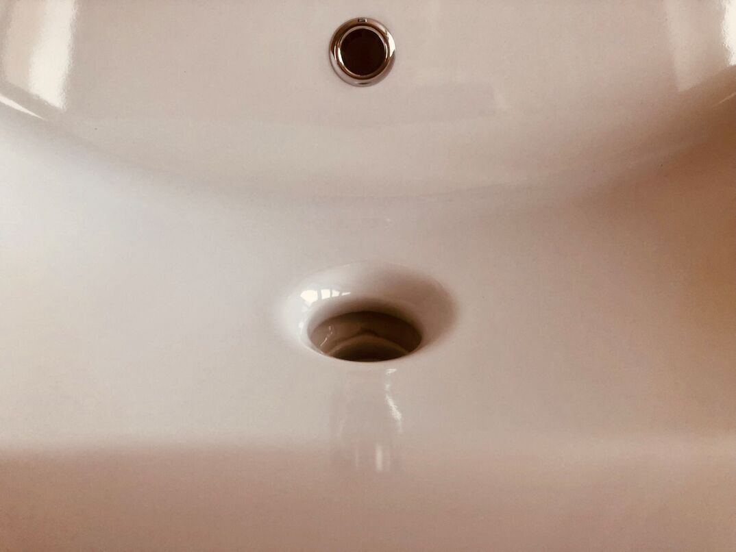 Faucet   nd washstand in different perspective