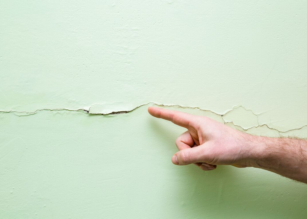 Crack in drywall