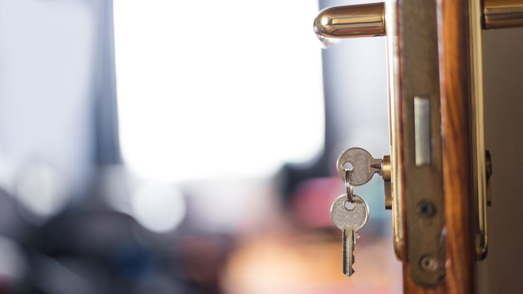 Keys from room hotel on the door