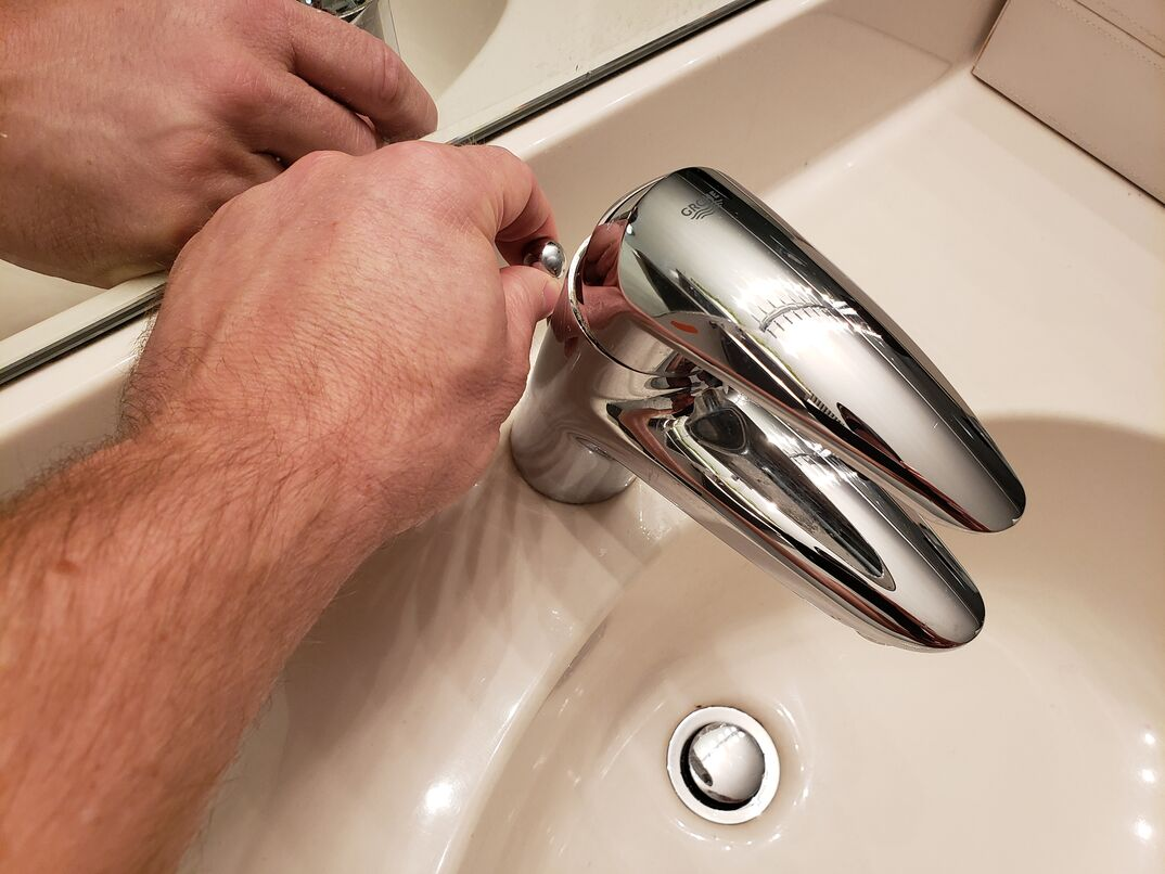 pulling bathroom sink stopper