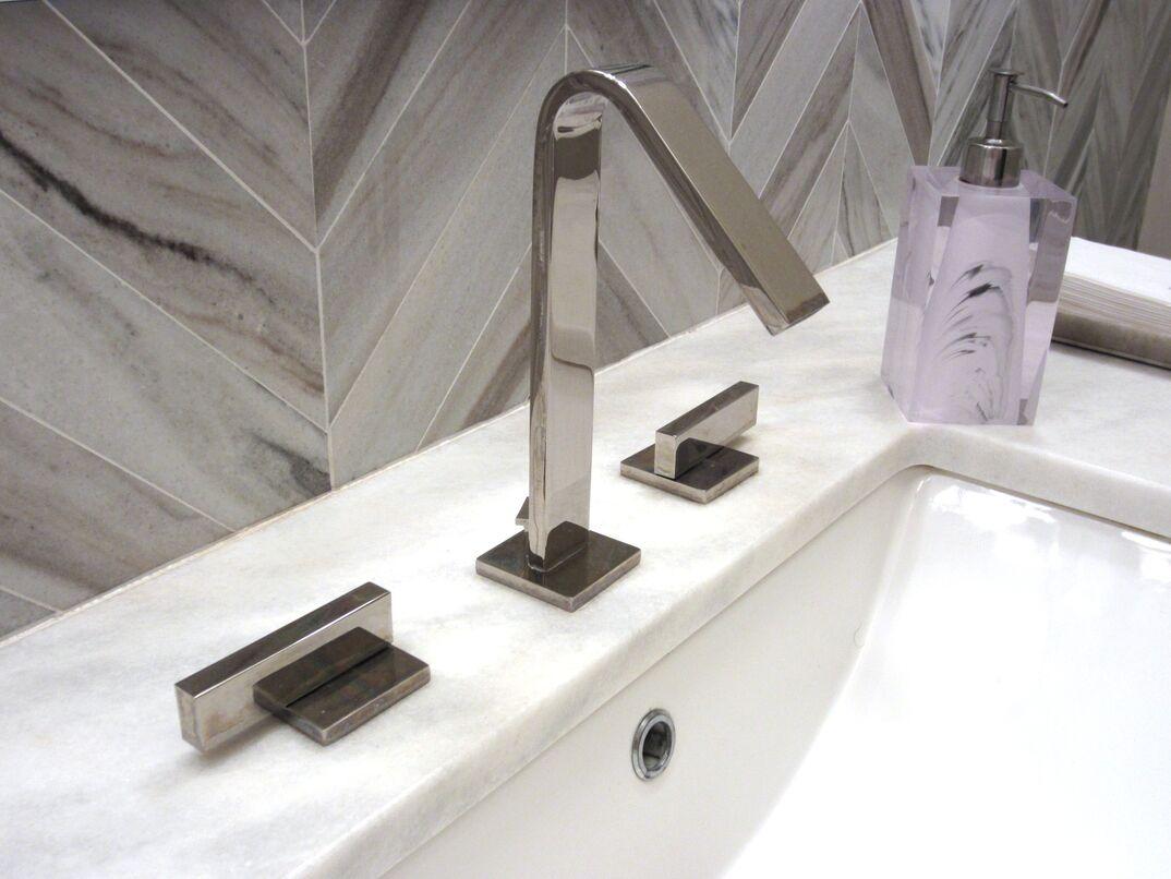 Moen faucet and bathroom vanity sink