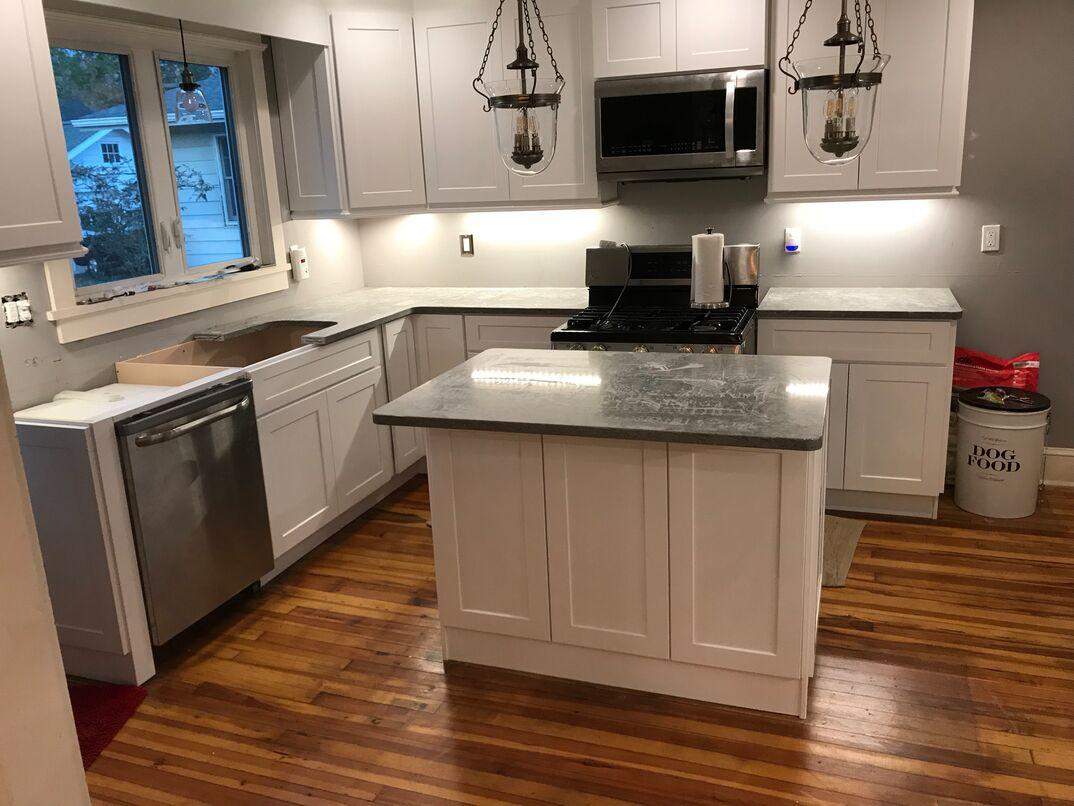 Kitchen renovation - feature installation